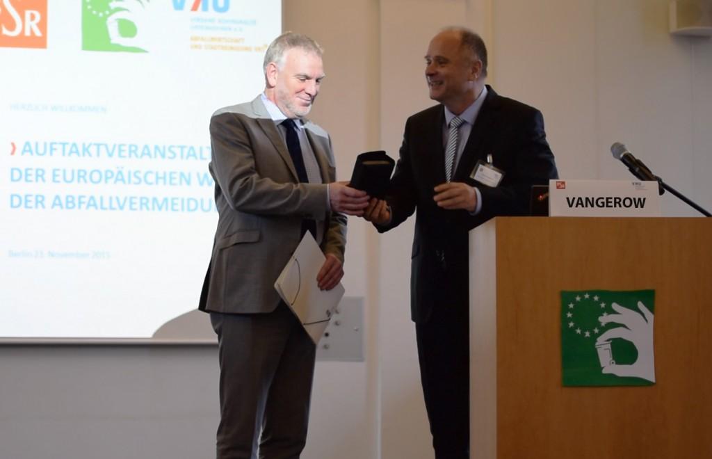 Umwelt-Staatssekretär Jochen Flasbarth mit Detlef Vangerow (MeinMacher)